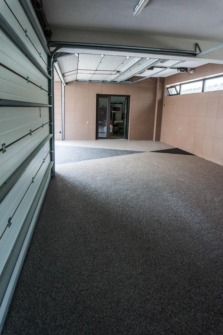 viarustik-stone-carpet-garage
